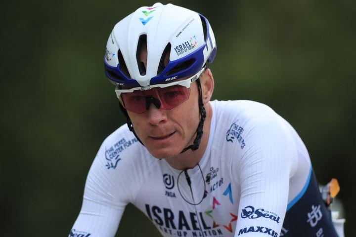 Christopher Froome sous les couleurs de l'équipe Israel Start-Up Nation lors de la première étape du Tour de France, entre Brest et Landerneau (Finistère), le 26 juin 2021. (CHRISTOPHE PETIT TESSON / POOL)