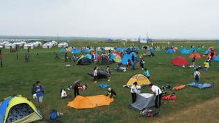 Vacances : les Chinois découvrent le camping (France 2)