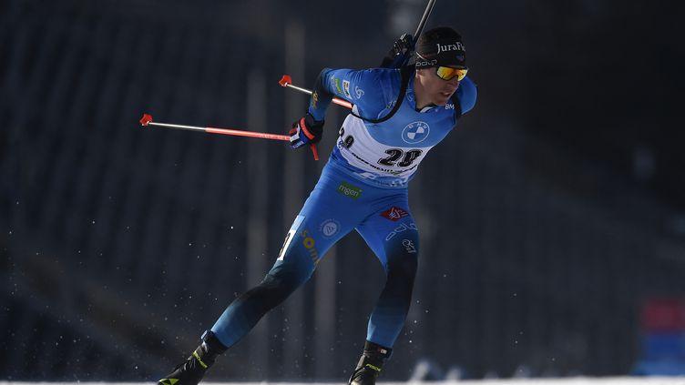 Quentin Fillon Maillet sur le premier sprint de Nove Mesto, samedi 6 mars 2021. (MICHAL CIZEK / AFP)