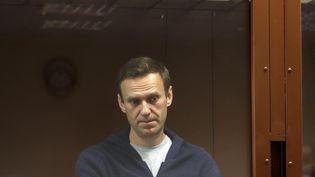 L'opposant russe Alexeï Navalny,lors d'une audience dans un tribunalde Moscou (Russie),le 12 février 2021. (MOSCOW'S BABUSHKINSKY DISTRICT COURT PRESS SERVICE / AFP)