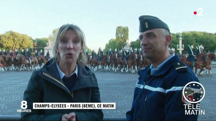 La Garde républicaine défilant à Paris. (France 2)
