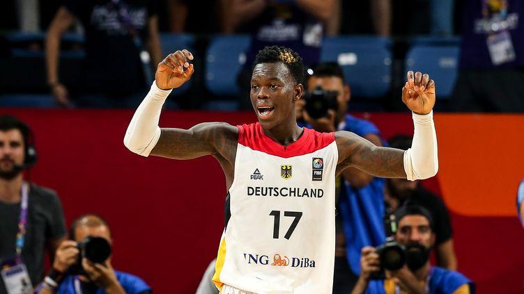 A seulement 24 ans, le meneur de jeu allemand est le meilleur marqueur de l'Euro.  (SALIH ZEKI FAZLIOGLU / ANADOLU AGENCY)