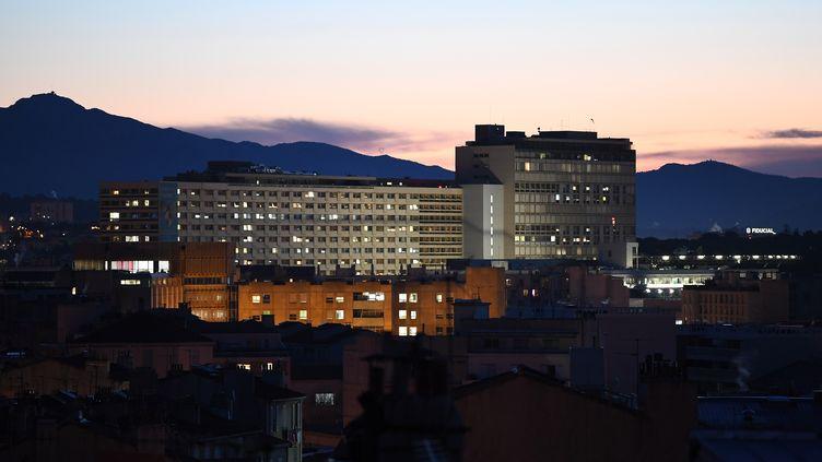 L'hôpital de la Timone, à Marseille, le 19 décembre 2017. (ANNE-CHRISTINE POUJOULAT / AFP)