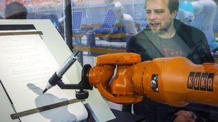 Robot industriel pendant une démonstration concernant la robotique et intelligence artificielle en 2017. (PHILIPPE CL?MENT / BELGA MAG)