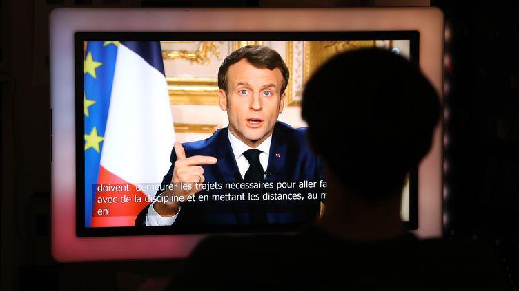 Le président Emmanuel Macron lors de son allocution télévisée sur le coronavirus, le 16 mars 2020. (LUDOVIC MARIN / AFP)