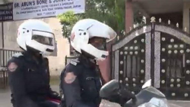 Une e ville d'Inde met en place des brigades de police féminines pour lutter contre le harcèlement sexuel (FRANCE 2)