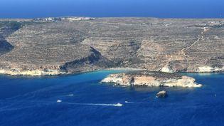 Vue aérienne de l'île de Lampedusa, en Italie, le 25 septembre 2018. (ALBERTO PIZZOLI / AFP)