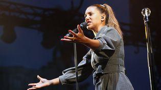 La chanteuse Kimberose lors d'un concert au Festival de Jazz de Nice en juillet 2019 (VALERY HACHE / AFP)
