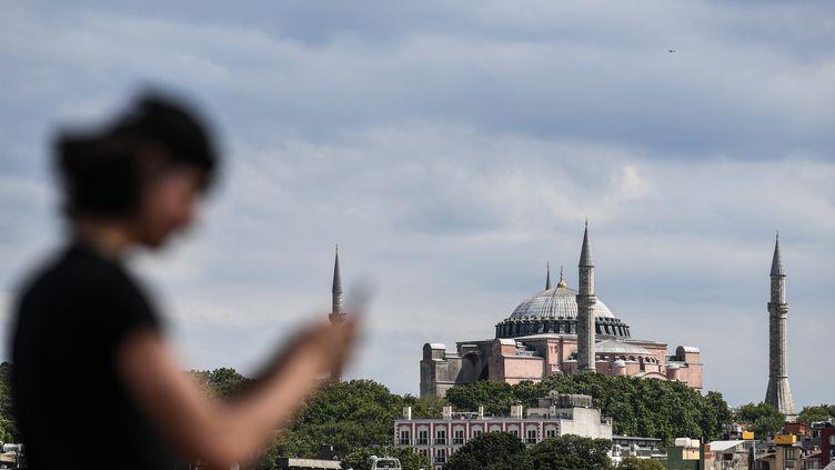 La basilique Sainte-Sophie à Istanbul (Turquie), le 14 juillet 2020. (OZAN KOSE / AFP)