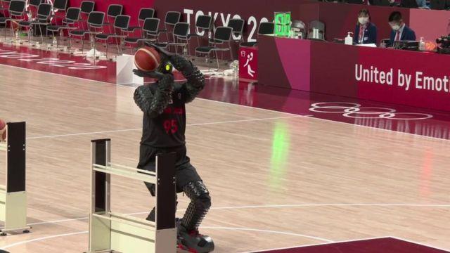 Le robot basketteur des Jeux de Tokyo