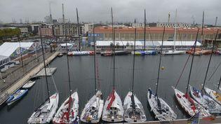 Les bateaux sont à quai, dans le port du Havre (Seine-Maritime), le 4 novembre 2013, avant le départ de la transat Jacques Vabre. (ALAIN ZIMERAY / SIPA)