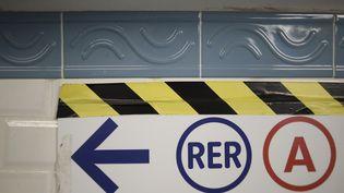 Ligne fréquentée par 1,2 million de voyageurs chaque jour, le RER A connaît régulièrement des problèmes de retard. (STEPHANE DE SAKUTIN / AFP)