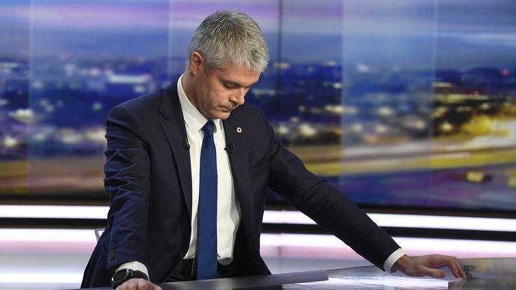 Laurent Wauquiez sur le plateau de TF1 après son élection à la tête des Républicains, le 11 décembre 2017. (LIONEL BONAVENTURE / AFP)