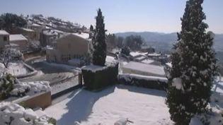 La ville de Cabris (Alpes-Maritimes) sous la neige, le 1er février 2012. (FTVI / FRANCE 3 COTE D'AZUR)