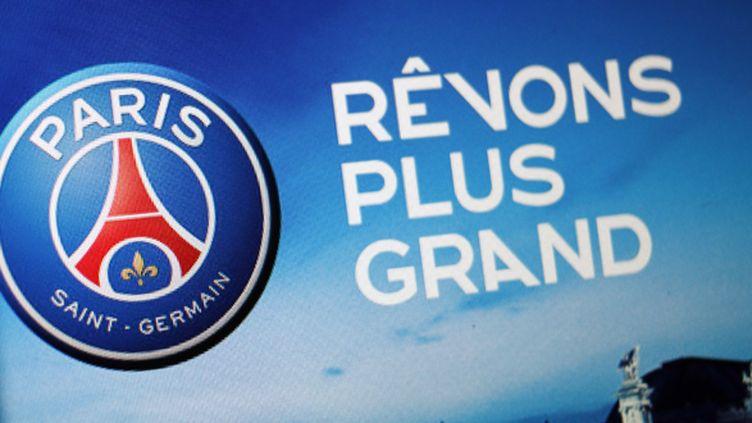 Le célèbre logo du Paris Saint-Germain.  (THOMAS COEX / AFP)