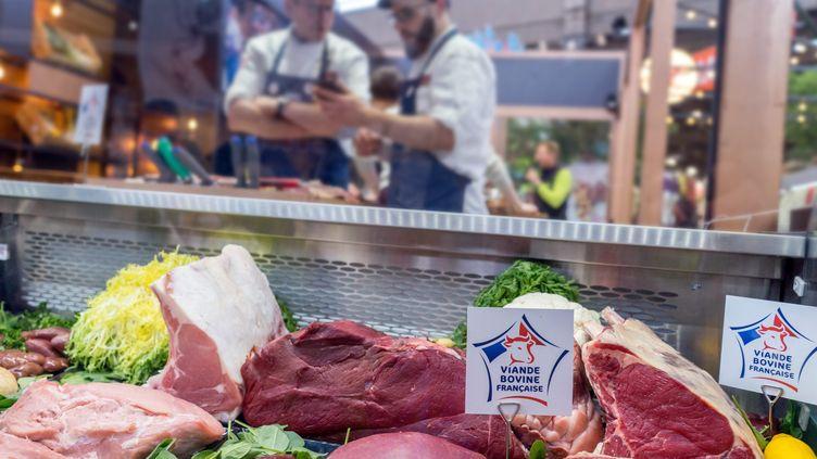De la viande dans une boucherie. (Illustration). (BRUNO LEVESQUE / MAXPPP)