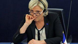 Marine Le Pen au Parlement européen, à Strasbourg, le 5 avril 2017. (? VINCENT KESSLER / REUTERS / X00403)
