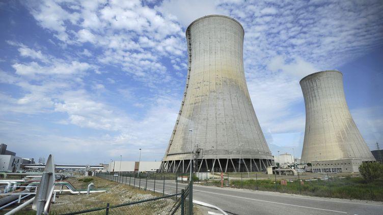 L'usine nucléaire de Tricastin dans la Drôme, prise en photo le 16 septembre 2011. (ANNE-CHRISTINE POUJOULAT / AFP)