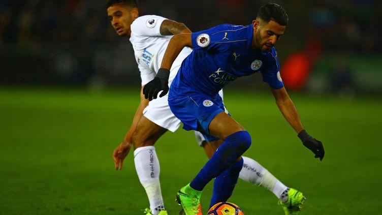 Le Leicester de Riyah Mahrez n'y arrive toujours pas (GEOFF CADDICK / AFP)