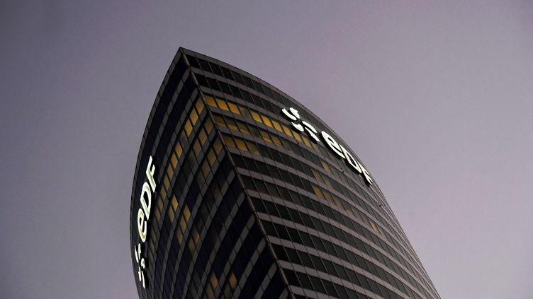Le siège social d'EDF dans le quartier de La Défense. (ALAIN JOCARD / AFP)