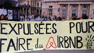 Manifestation contre les expulsions après la fin de la trêve hivernale à Paris, le 31 mars 2018. (MAXPPP)