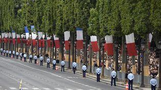 Le défilé du 14-Juillet sur les Champs-Elysées, en 2016. (DOMINIQUE FAGET / AFP)