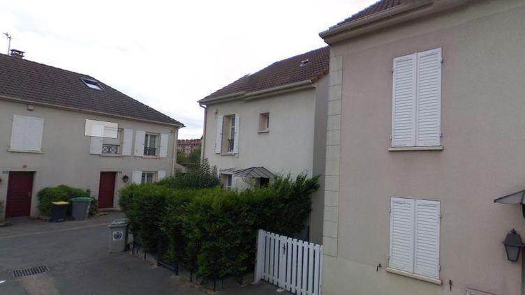 Rue René-Cassin, à Villeneuve-Saint-Georges (Val-de-Marne), où un sapeur-pompier a été mortellement poignardé lors d'une intervention chez un déséquilibré le 4 septembre 2018. (GOOGLE STREET VIEW / FRANCE 3)