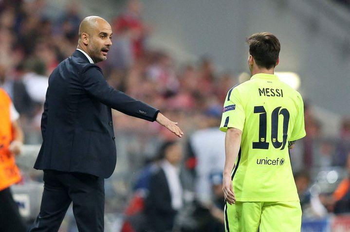 Pep Guardiola et Lionel Messi, lors de la demi-finale retour de Ligue des champions entre le Bayern Munich et le FC Barcelone, le 12 mai 2015. (FIRO/SEBASTIAN EL-SAQQA / AUGENKLICK/FIRO SPORTPHOTO)
