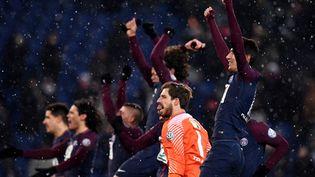 La joie des joueurs du PSG après leur qualification contre Marseille en quarts de finale de la Coupe de France (3-0), mercredi 28 février 2018 au Parc des Princes. (FRANCK FIFE / AFP)