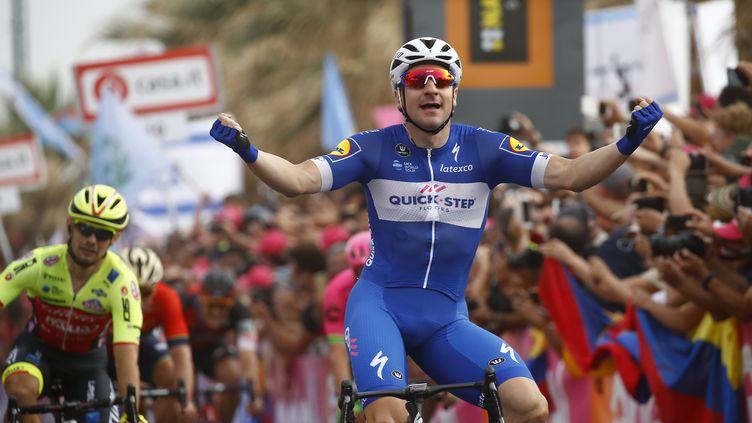 Elia Viviani (QuickStep Floors) sur le Tour d'Italie 2018 (LUK BENIES / AFP)