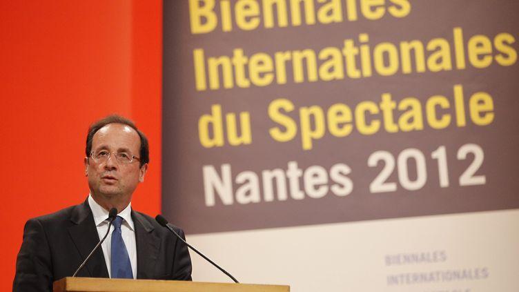François Hollande, candidat PS à l'élection présidentielle, le 19 janvier 2012 à Nantes (Loire-Atlantique). (STEPHANE MAHE / REUTERS)