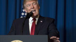Le président des Etats-Unis, Donald Trump, a expliqué, le 6 avril 2017, depuis sa résidence de Mar-a-Lago (Floride),avoir ordonné une frappe en Syrie. (JIM WATSON / AFP)