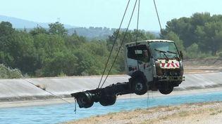 Bouches-du-Rhône : à la pêche aux véhicules volés, puis noyés (FRANCE 3)