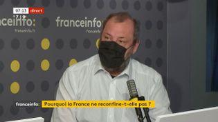 Renaud Piarroux, chercheur en épidémiologie et chef de service à l'hôpital de la Pitié-Salpétrière à Paris, était l'invité de franceinfo, jeudi 21 janvier 2021. (FRANCEINFO / RADIO FRANCE)