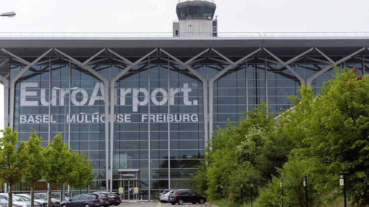 L'aéroport international de Bâle-Mulhouse-Fribourg, le 27 avril 2011. (SEBASTIEN BOZON / AFP)