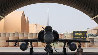 Un Mirage 2000 de l'armée françaiseenggé dans la force Barkhane, en 2017. (LUDOVIC MARIN / AFP)