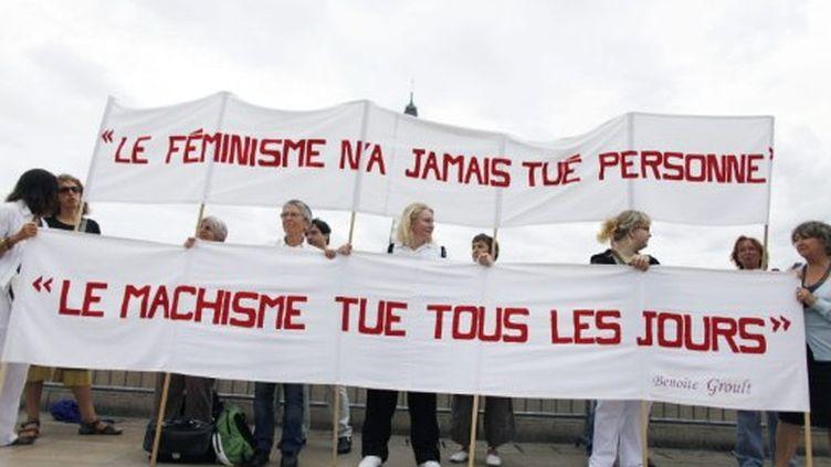En 2010, des militantes féministes participent à un rassemblement pour commémorer les 40 ans du mouvement féministe. (AFP-Thomas Coex)