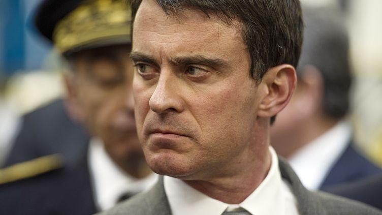 Le Premier ministre, Manuel Valls, le 24 avril 2014 àSaint-Lubin-des-Joncherets (Eure-et-Loir). (FRED DUFOUR / AFP)