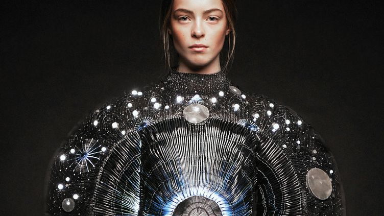 """La création """"Aura Inside"""" de Clara Daguin  (Marie-Amélie Tondu & Alexis Senaffe )"""