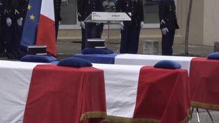 Hommages aux trois gendarmes d'Ambert. (FRANCE 3)