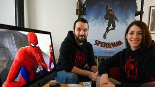 """Bastien Grivet (à gauche) et Jessica Rossier, graphistes de """"Spider-Man : New Generation""""  (PASCAL GUYOT / AFP)"""