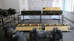 Missiles antichar de type Javelin montrés par les forces du gouvernement de Tripoli, retrouvés dans un camp des forces du maréchal libyen Khalifa Haftar, le 29 juin 2019. (- / AFP)