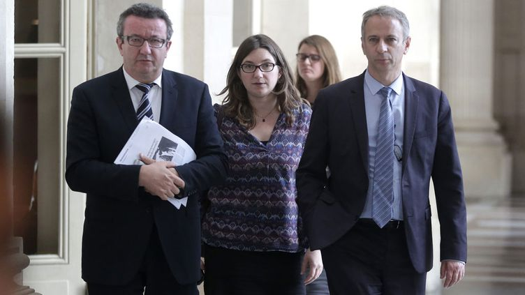 """(Christian Paul, Fanelie Carrey-Conte et Laurent Baumel, trois """"frondeurs"""" dans les couloirs de l'Assemblée nationale  © MaxPPP)"""