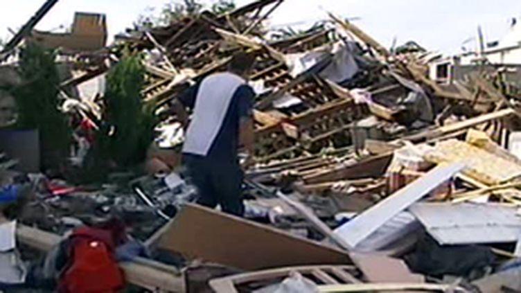 Les ruines du villages de Haumont (Nord) après le passage de la tornade dans la nuit du 3 au 4 août 2008 (© France 2)