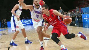 Evan Fournier, lors du match pour la 3e place contre la Serbie, le 20 septembre 2015, à Villeneuve-d'Ascq (Nord). (EMMANUEL DUNAND / AFP)