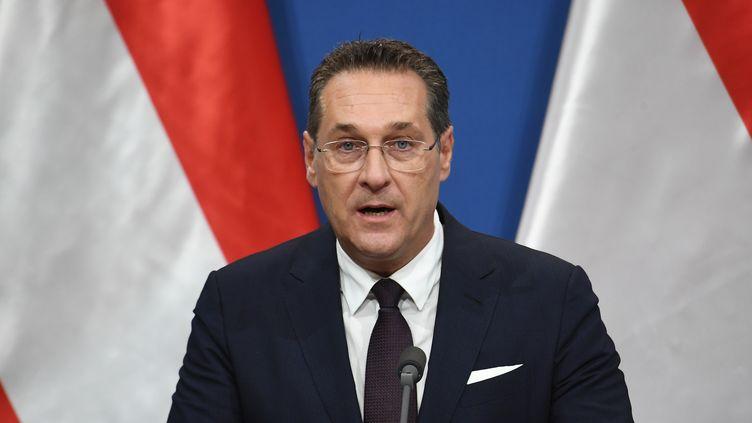 Le vice-chancelier autrichien,Heinz-Christian Strache, le 6 mai 2019 à Budapest (Hongrie). (ATTILA KISBENEDEK / AFP)
