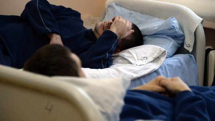 Des patients dans un hôpital psychiatrique. (VASILY MAXIMOV / AFP)