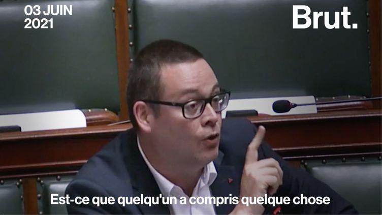 """VIDEO. """"On organise le bordel général"""" : quand un député belge se moque des règles Covid de son pays... (BRUT)"""