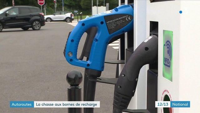 Automobile : les bornes de recharge électriques se multiplient sur les autoroutes
