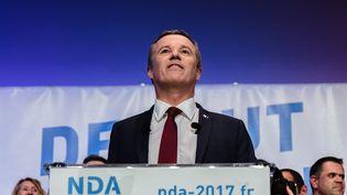 Le candidat de Debout la France, Nicolas Dupont-Aignan, lors d'un meeting à Paris, le 9 mars 2017. (CHRISTOPHE BONNET / CITIZENSIDE / AFP)